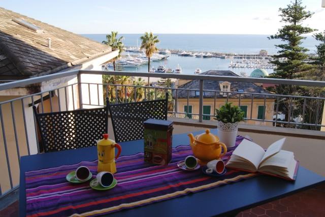 Appartamento con terrazza vista mare   Case Vacanza Liguria ...